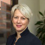 Profielfoto: Saskia Gerritsen, concerndirecteur Dienstverlening & Bedrijfsvoering bij de gemeente Groningen.